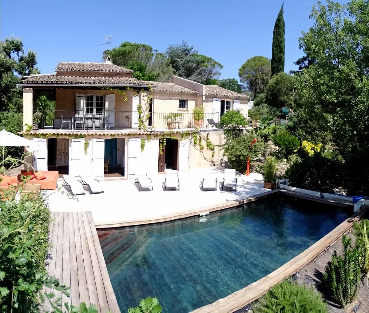 french holiday rental var french holiday rentals cote d 39 azur south france. Black Bedroom Furniture Sets. Home Design Ideas